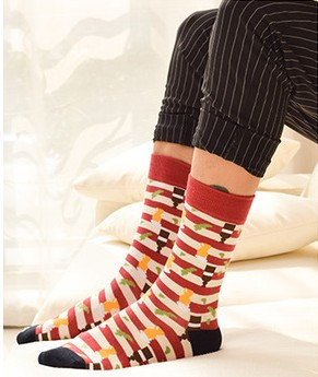 2016 Freeshipping hot sale casual new style mens combed cotton colorful socks brand man dress knit socks 6061