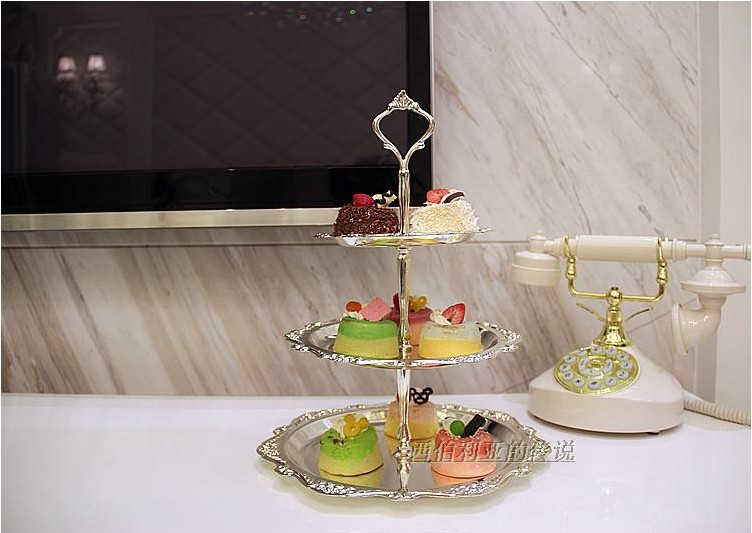 Silver plate Eco Friendly zinc alloy metal wedding cake stand 1 setu003d3 canke plates(6 /8 /10  )-in Dishes u0026 Plates from Home u0026 Garden on Aliexpress.com ... & Silver plate Eco Friendly zinc alloy metal wedding cake stand 1 set ...