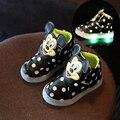Crianças casual shoes 2016 moda das meninas dos meninos gancho loop esporte shoes bebê tênis de luz led luminoso pisca tamanho 5.5-12