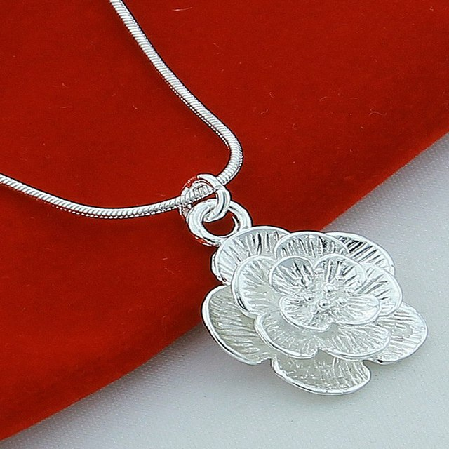 New  jewelry! Wholesale good silver jewelry women's/girl's circular pendant  thin chain jewelry necklace GHS088