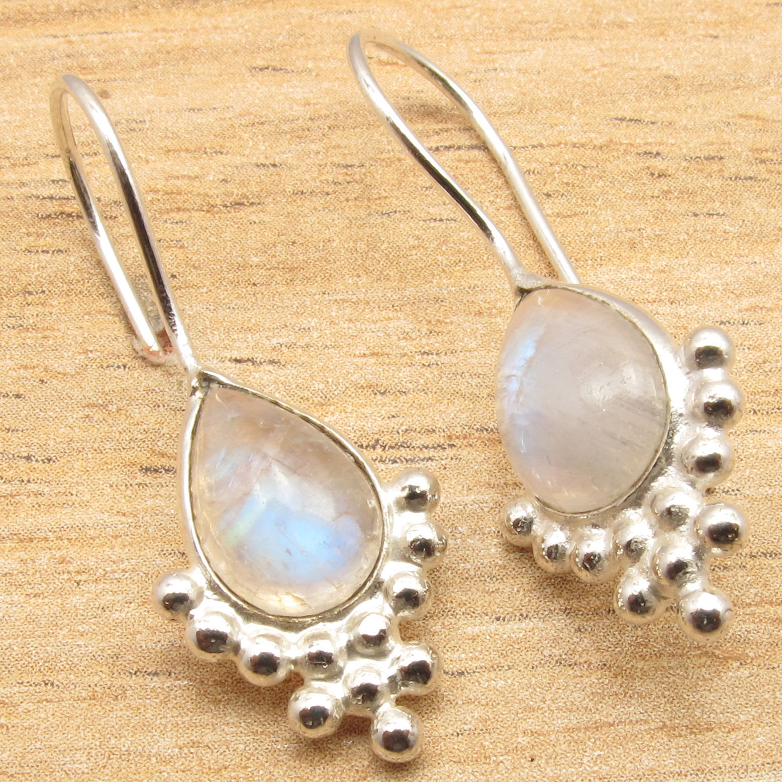 Stud Natural Rainbow Moonstone Pretty Earrings ! Silver Plated Over Solid  Copper(china (mainland