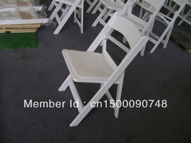 HM008    Resin Chairs