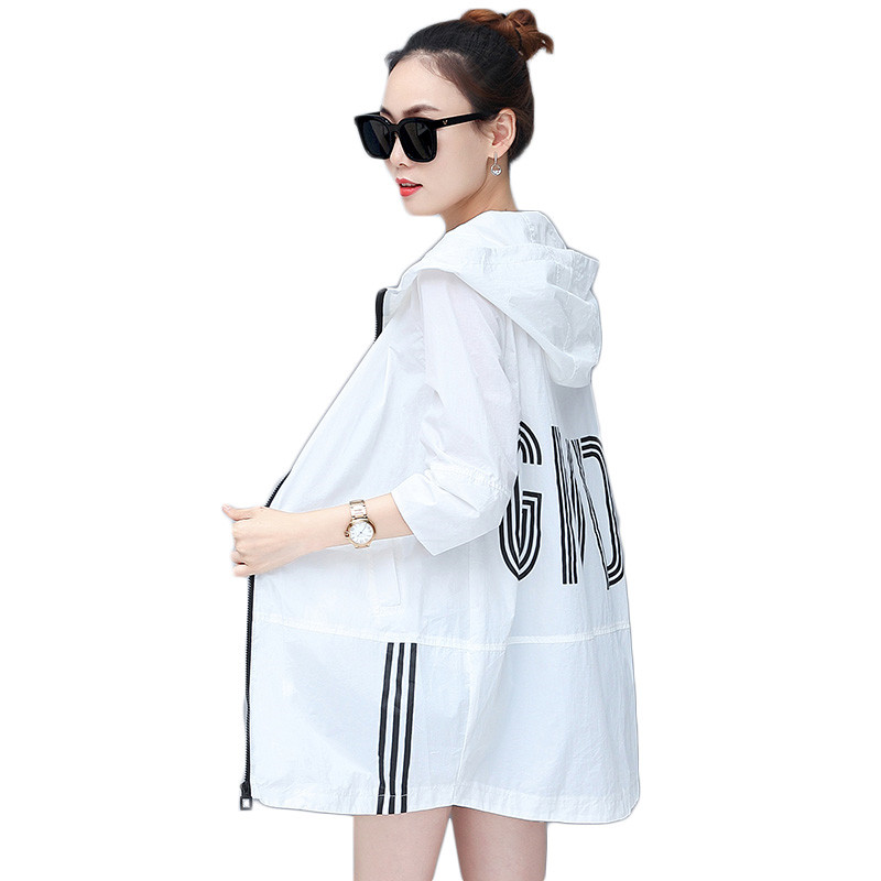 Summer women sun protection coat 2018 new thin hooded seven-sleeved female jacket mid-long large size ladies windbreaker cw336