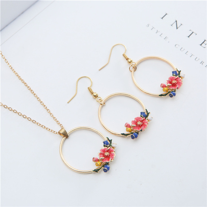 ecd0f379cda730 Golden Round Circle Dripping Oil Flower Pendant Necklace Drop Earrings  Women Long Chain Choker Necklace Collares Jewelry Set
