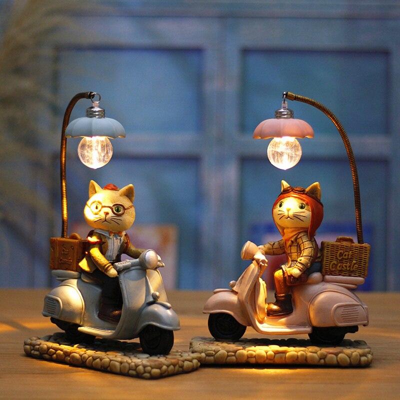 Stile retrò Gatto Motor Ha Condotto La Luce di Notte Del Fumetto Rsin Craft Bimbi Home Decor Lampada Da Tavolo Ornamenti Di Compleanno Nozze Regali di Natale