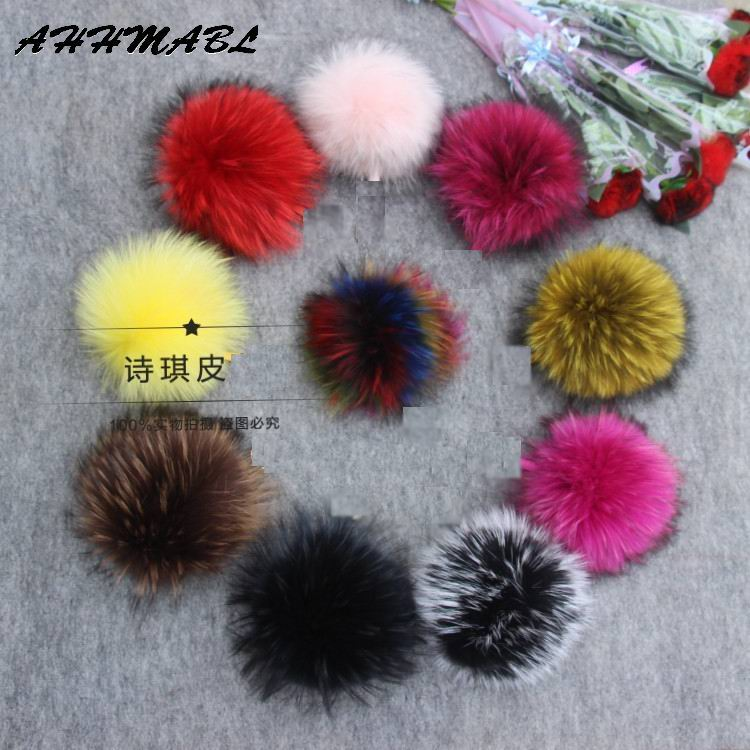14/16 / 18cm DIY Naturliga Real Raccoon Fur Pompoms Fluffy Äkta Fur Pompom För Vinter Kvinnor Hatt Mössa Stickade Cap Skullies