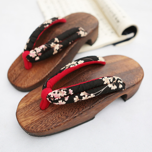 eceb50088f0 wood sandals High quality New Fashion Retro Japanese style clogs fashion wooden  flip flops slippers Women s clogs slippers