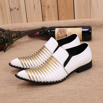 zapatos de hombre de vestir formal white gold spiked slip on loafers pointed toe wedding party shoes male leather shoes lasts