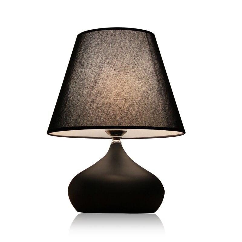 Nordic современные настольные светильники Гостиная Исследование прикроватная тумбочка для спальни творческий чтение глаз простой отель LED не...