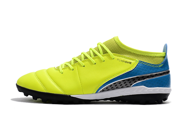 2018 PUMA Men s One TF Soccer Shoe Soccer Cleats Sneakers Sports Shoes 6 COLOR  SIZE39 45-in Badminton Shoes from Sports   Entertainment on Aliexpress.com  ... f5fa31b7d