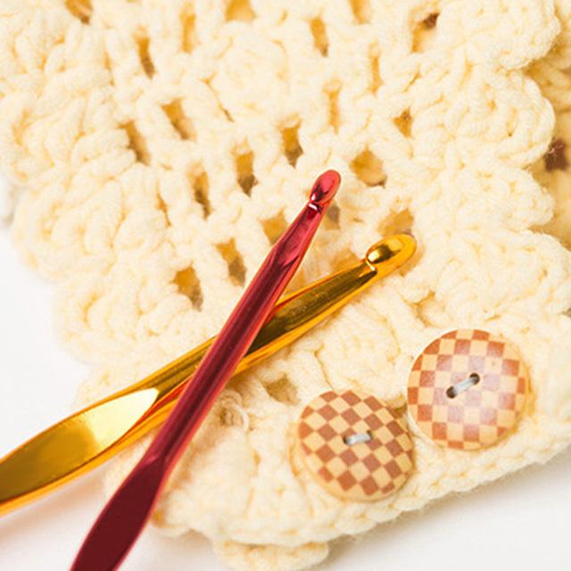 Premium Multi-Colour Aluminum Crochet Hooks 22Pcs Set