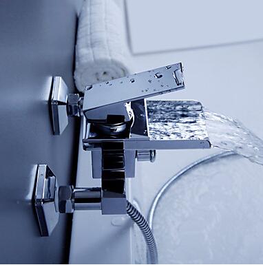 Nádherná vanová vodopádová baterie na stěnu