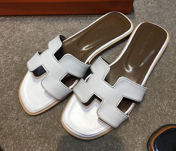 Женщины Марка h новые тапочки вырезами Летние Пляжные сандалии модные женские шлепанцы уличные тапочки без застежки Вьетнамки 34-41