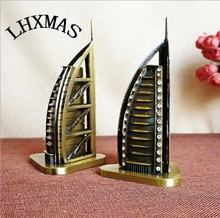 Hotel Model Figurines Burj Al Arab Statue Handwork Metal Crafts For World Famous Building Home Decoration Gift 2Styles E379