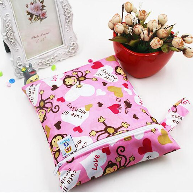 Waterproof Reusable Wet Bag Printed Pocket Nappy Bags Size 25x20cm