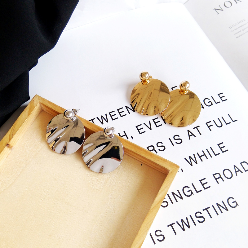 European metal geometrical irregular circular smooth delicate earrings fashion earrings woman wholesale in Drop Earrings from Jewelry Accessories