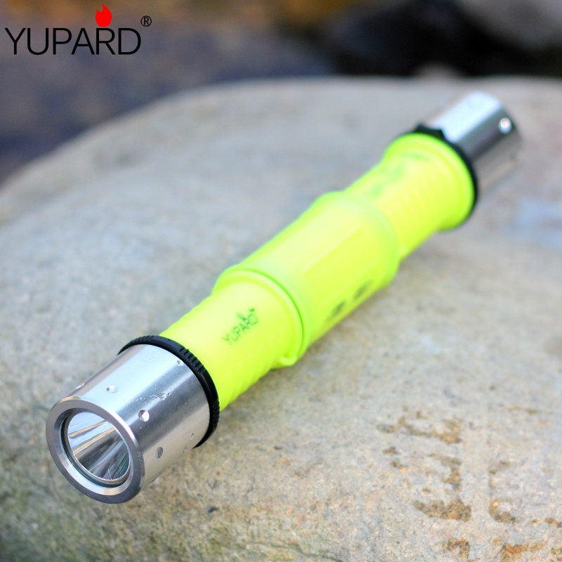YUPARD white yellow light Underwater diver Waterproof XM-L2 T6 led Flashlight Torch diving 80m+2*2200mAh 18650 battery+charger yupard xm l t6 led yellow light torch flashlight diving lamp diver lantern underwater waterproof 26650 18650 battery