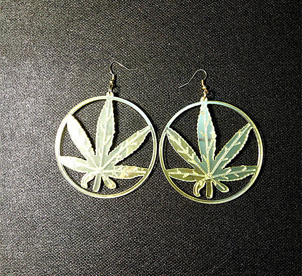 New Hip Hop Women Golden Cannabiss Weed Dangle Earring Chunky Pot Leaf Weed Earrings Night Club Lady Girls Dancer Jewelry 1