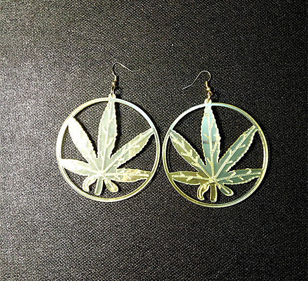 2009c0cea6 US $2.84 5% OFF|New Hip Hop Women Golden Cannabiss Weed Dangle Earring  Chunky Pot Leaf Weed Earrings Night Club Lady Girls Dancer Jewelry-in Drop  ...