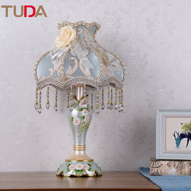 TUDA LED שולחן מנורת אירופאי בד שולחן מנורת חדר שינה ליד מיטת סלון מחקר רטרו שרף שולחן מנורת רצפת מנורת E27 110 V 220 V-במנורות שולחן LED מתוך פנסים ותאורה באתר TUDA Official Store