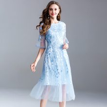 2019 Autumn New Fashion Temperament Large Size Womens Solid Color Round Neck Embroidery Gauze Sleeves Dress