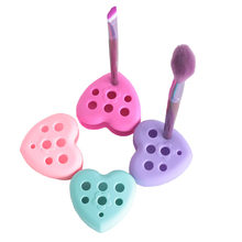1 Pcs Silicone Makeup Brush Cleaner Heart Shaped Cosmetic Brush Cleaning Washing Tool with Hole Make up Brushes Dryer Holder(China)