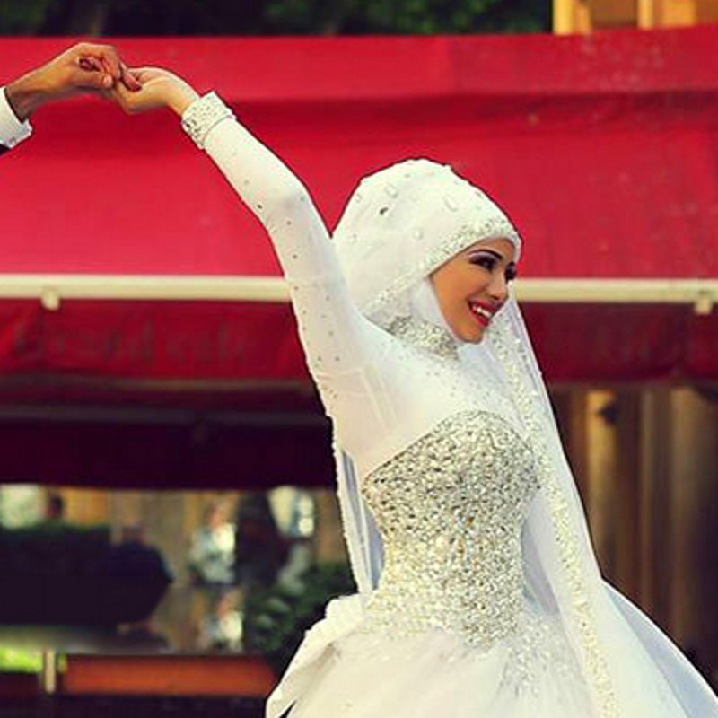 High Neck Arabic Wedding Dresses With Crystals Ball Gowns Islamic ...
