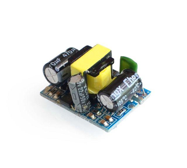 5 V 700mA (3.5 W) na białym tle moduł zasilania przełącznika AC-DC buck step-down moduł 220 V z kolei 5 V
