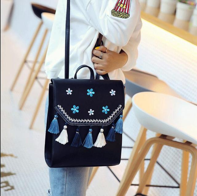 Embroidery small fresh backpack female bag 2018 Korean version of the simple new campus fashion travel bag Fashion Backpacks