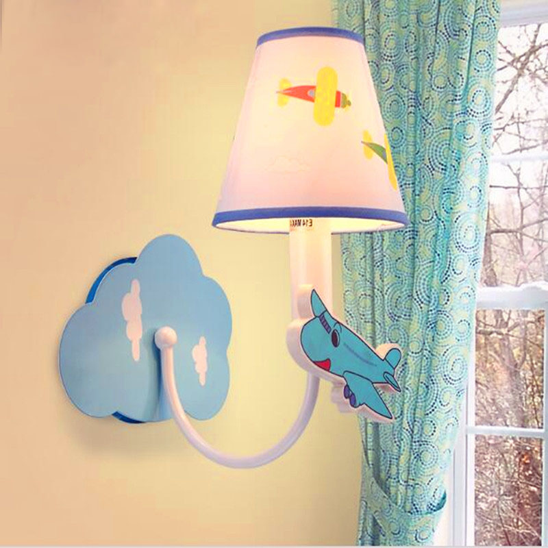 ФОТО Simple kid's wall lamp bedroom lamp creative lamp children light romantic led wall lamp AC85-265V 3W Free Shipping