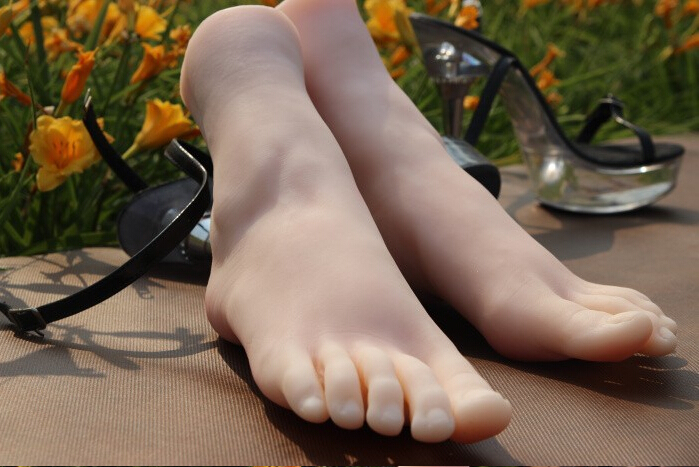 Free shipping sex doll Fake silicone women foot fetish girls Feet sex toy worship foot toys mold size about 240mm top quality new sex product soft feet fetish toys for man lifelike female feet mannequin fake feet model for sock show
