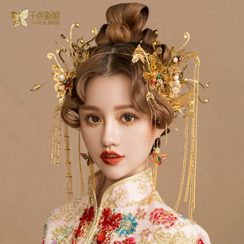 Chinese bride headdress costume gold butterfly hairpin wedding crown and earring photography wedding hair accessories yiman fascinator fashion bride headdress feathers dance show headdress covered the face veil party hat headdress hairpin headwear