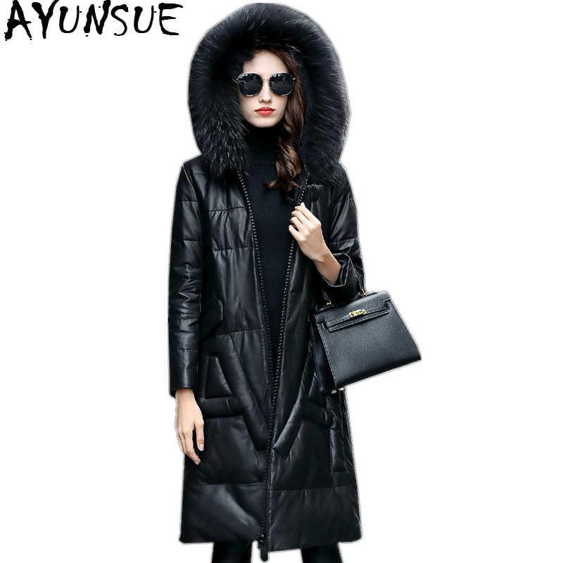 AYUNSUE の天然シープスキンのコート女性の本革のジャケットの女性 2019 冬ダウンコート本物のアライグマの毛皮の襟フード付き WYQ2070