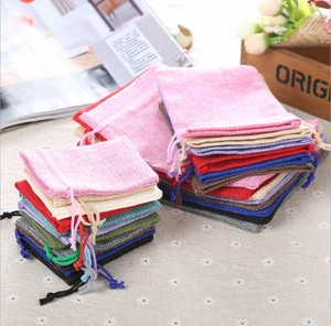 Image 2 - 50pcs/pack (15x20cm) Vintage Natural Burlap Gift Candy Bag Wedding Party Favor Pouch Birthday Supplies Drawstrings Jute Gift Bag