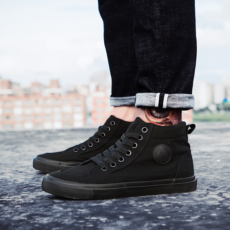Shoes Excellent Quality Warm Winter Men Shoes High Top Canvas Casual Shoes Men Boots Autumn Leather Sneakers Metal Chain Male Flats