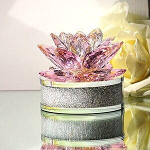 Image 2 - H & D En Kalite Noel Hediyeler K9 kristal lotus çiçeği Paperweight Için Ev Dekorasyon, Düğün Iyilik, Araba ofis masası Süsler
