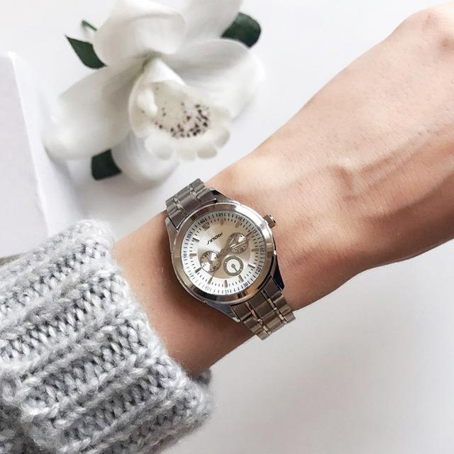 Reloj de acero de lujo para mujer