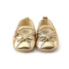 Delebao Pure Golden Princess Baby Girl Shoes For Spring/Autumn Soft Sole Cotton First Walkers Wholesale