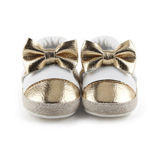 Delebao 2017 Design Spring/Autumn Baby Shoes Unique PU Butter 0-18 Months Thick Cotton First Walkers Wholesale