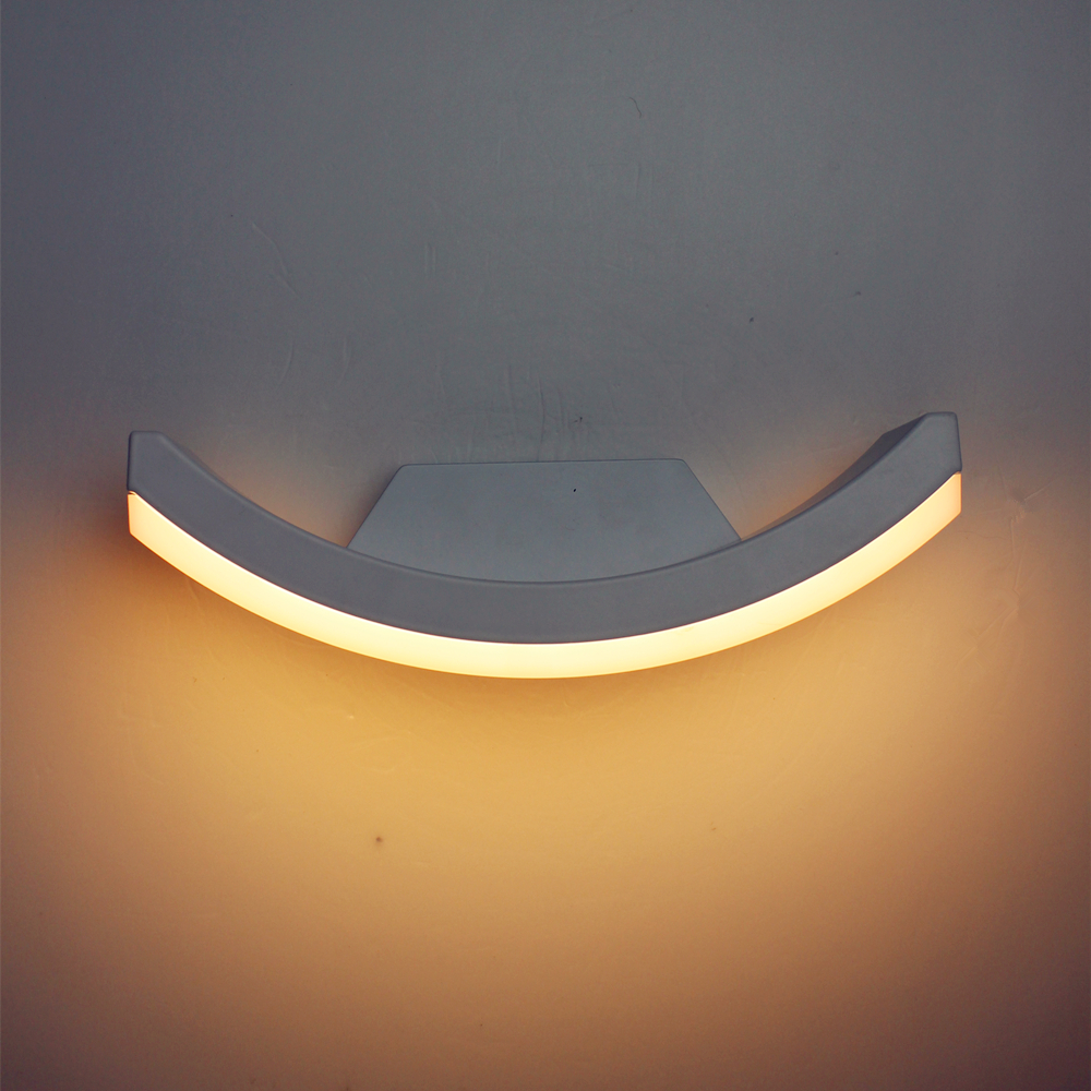 <font><b>Half</b></font> <font><b>Moon</b></font> Waterproof Outdoor Wall Sconce 90~260v 12w Aluminum Garden Lighting Led Stair Light Brief Design For Bedroom GWL063