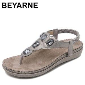 Image 1 - BEYARNE חדש נשים סנדלים שטוחים בתוספת גודל 35 42 אופנה גביש אישה נעלי קיץ נעלי חוף כפכפים נעליים נשים