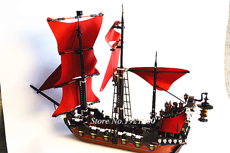 16009 1151pcs Queen Anne\'s revenge Pirates of the Caribbean Building Blocks Set Bricks Compatible 4195 Toy for children lepin 22001 imperial warships 16006 black pearl ship 16009 queen anne s revenge pirates series toys clone 10210 4184 4195