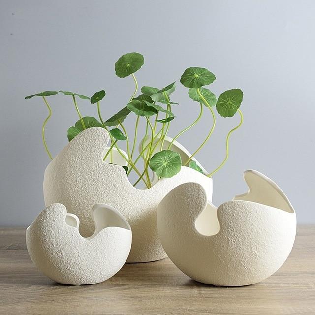 Small Type Modern Creative White Eggshell Handmade Ceramic Vase