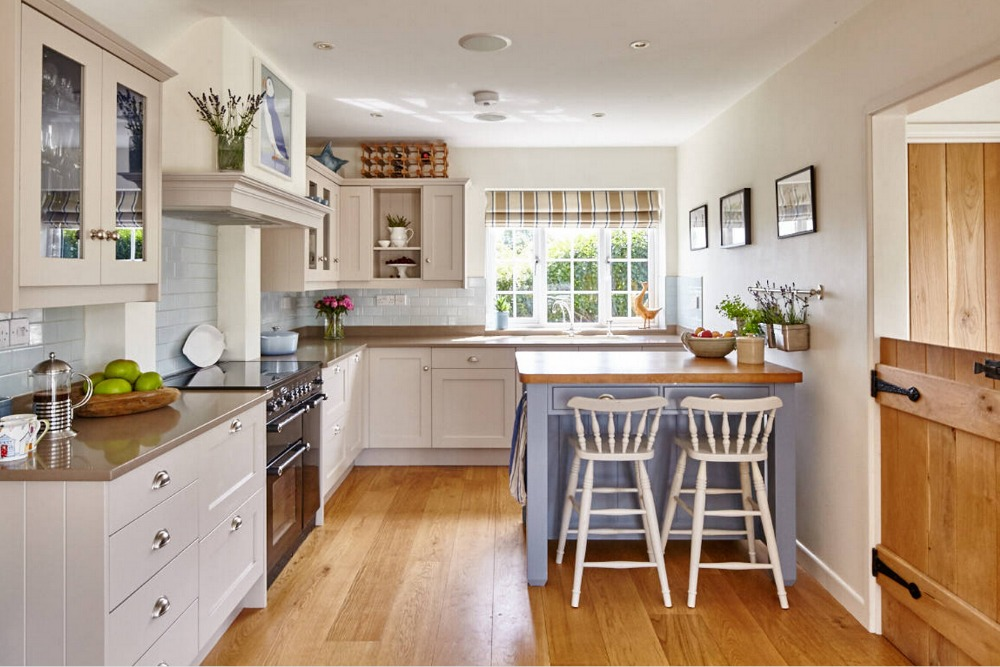 2017 Solid Wood Kitchen Cabinets Hot Sales Cheap Priced