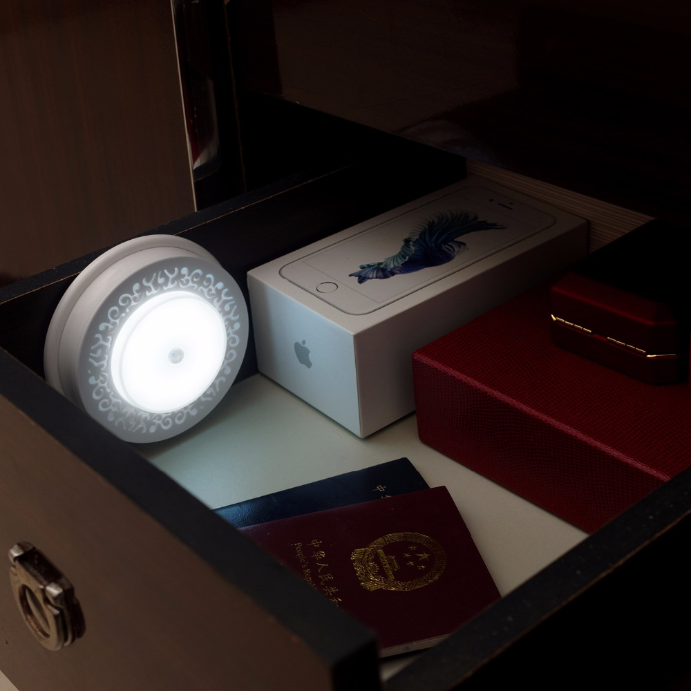 Mini Ultra-thin closet light PIR Motion Sensor Lamp Novelties Cabinet Light Led Closet Lighting Led Light Battery Nightlight