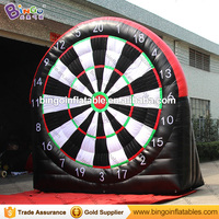 Free delivery 4 meters high giant inflatable soccer dart board for amusement blow up football dart game for kids outdoor toys