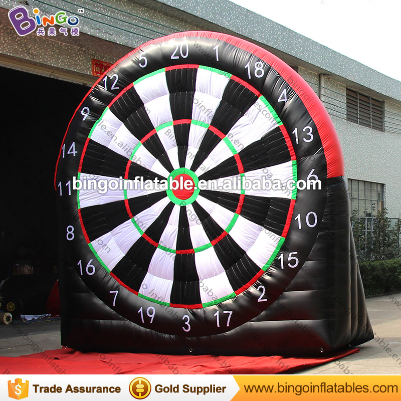 Free express 4 meters high giant inflatable soccer dart board for amusement blow up football dart game for kids outdoor toys 14x7 meters inflatable soccer field football court high quality pvc tarpaulin pitch for kids or children toys