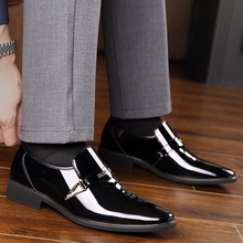 Men Business Dress Leather Shoes Italian Slip on Fashion Moccasin Glitter Formal Male Oxfords Shoes Pointed Toe Shoes HH-583