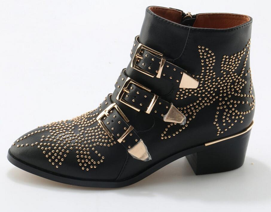 Sexy moda remaches Susanna tachonado cuero hebilla tobillo botas mujeres gatito tacones zapatos de invierno tachonado tobillo botas para mujer