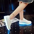 2017 USB Recargable Schoenen Hombres Zapatos Casuales Mujeres Luminoso Adultos Zapatillas Brillantes para Niños Chica Led Zapatillas Mujer Hombre